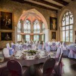 Festlich gedeckte Tafel. Heiraten auf Schloss Marienburg