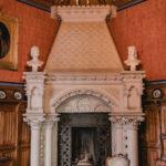 Feierlicher Saal mit Kamin - Schloss Marienburg