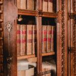 Schloss Marienburg Innenansicht - historische Bücher